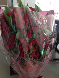 100本の赤バラ