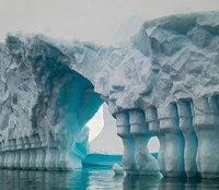氷山の一角ってメチャクチャ神秘的ですよ!!!