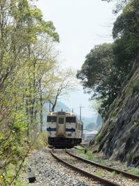 日田英彦山線のキハ147系。