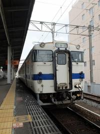 佐賀駅で唐津線に乗り換え。