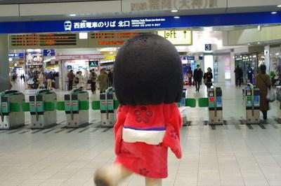 福岡天神駅でダッシュ