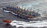 韓国で密漁してる中国漁船団が赤壁じみてる件
