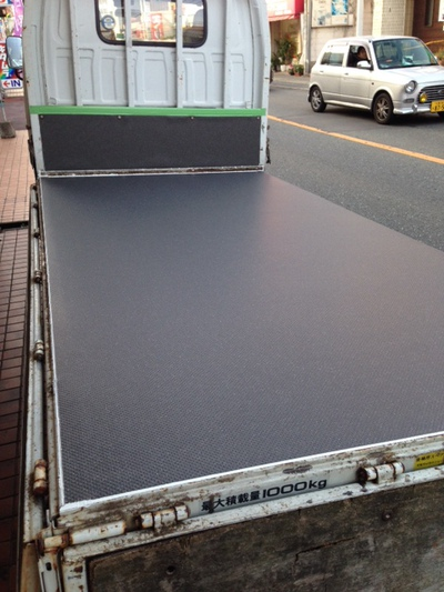 トラック荷台 床貼り替え