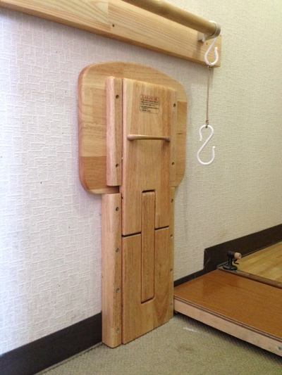 玄関折りたたみ椅子