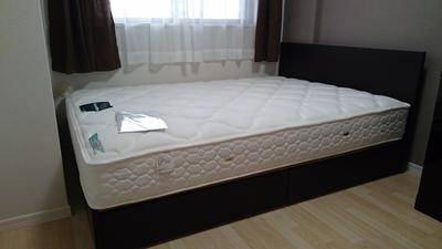 引出付ベッド