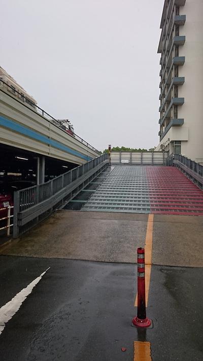 東区役所駐車場