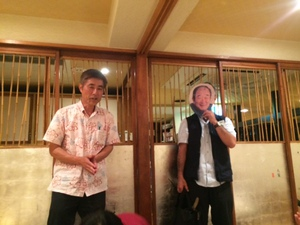 ユタとなって山田さんと交信をする佐和田さん