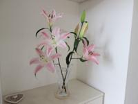 【玄関風水】生花を飾る、花瓶の水を替える