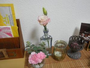 桃花位にお花を飾ると恋愛運アップ