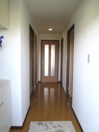 廊下・階段には余分なものを置かない
