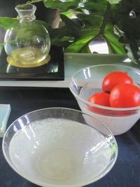 横山秀樹さんの硝子 & 庭のトマト & ファバラカフェ