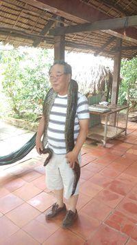 メコン川でのニシキヘビ