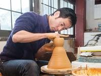 小石原焼 原彦窯復興へ 九州豪雨災害で泥に埋もれた窯元の挑戦