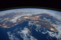 宇宙ゴミの除去を進めなとGPSや天気予報などへの悪影響が