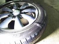 タイヤ横面のプックリとしたふくらみ
