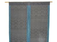 夏の大島紬で作った暖簾