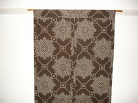 茶色の大島紬で作った暖簾