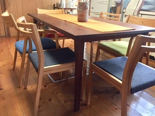 futaeチェアとマストテーブルお届け写真