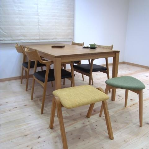 テーブルとチェア・スツールのお届け写真