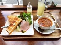 チェリッシュ珈琲で朝ごはん。