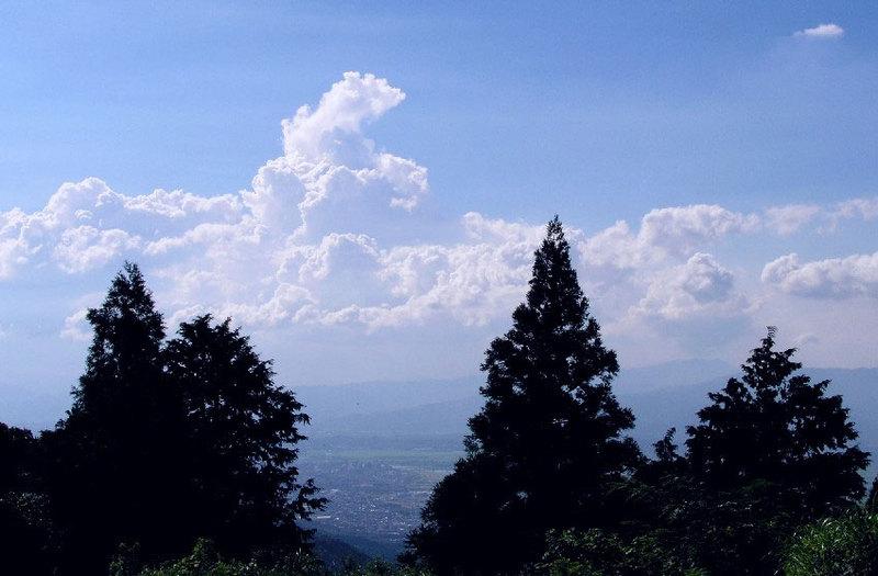 耳納山より夏雲