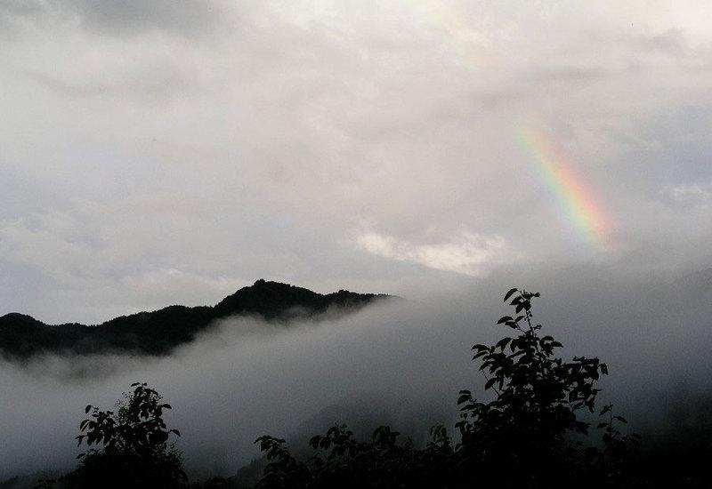 虹と共に、、。
