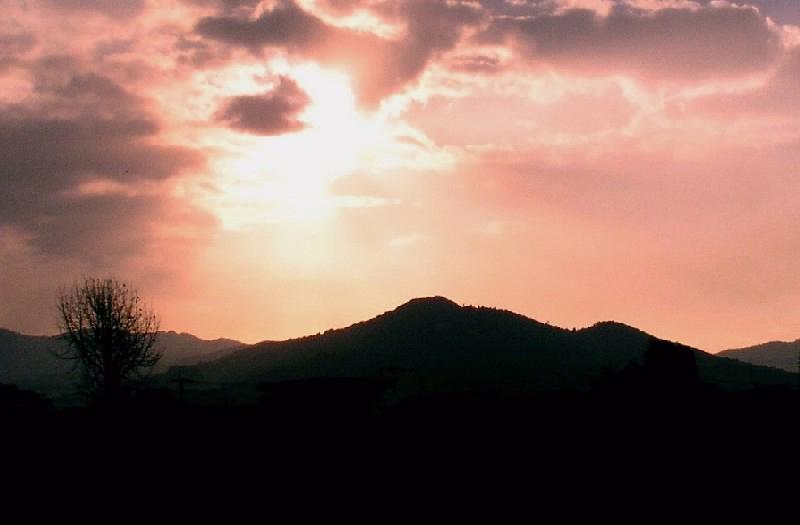 朝焼けの高良山
