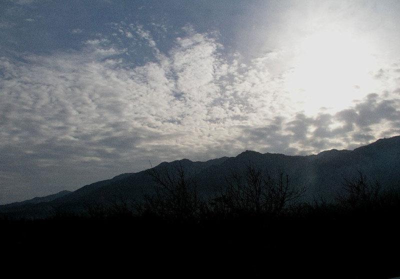 冬空と耳納連山