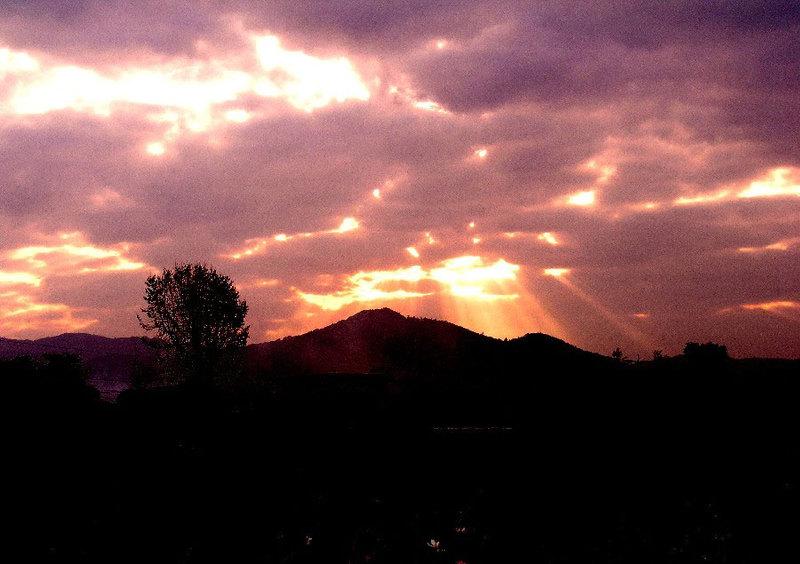 朝焼け高良山