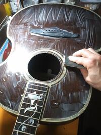 ギター装飾の製作も進行中・・・