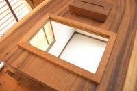 人気の木の雑貨テッシュケースと壁掛けミラーそして一枚板をお買い上げ頂きました☆