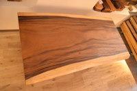 白と茶のコントラストが美しい!モンキーポッド一枚板テーブル完成と出荷ラッシュ第二段!