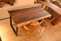 モンキーポッド一枚板×アイアンテーブルとオークラスティック仕上げテーブル完成!