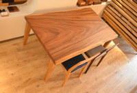 ブラウン色で一番人気のモンキーポッドテーブル完成!