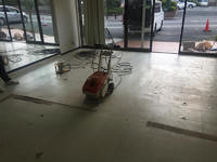 塩ビシートやタイルの床剥がし(床撤去)ならおまかせください!