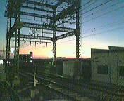 試験場前駅で夕焼け