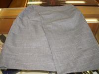 今日の洋服のお直しはスカート・スラックスです
