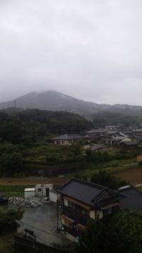 雨ですね…。