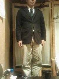 後輩のスーツをぱつんぱつんで着る先輩