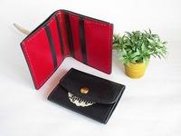 小銭入れなしの二つ折り財布とコインケース