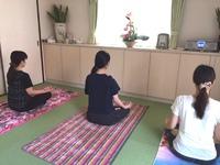 呼吸に集中するヨガ・瞑想